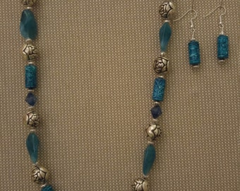Turquoise metal and acrylic bead necklace with earrings! MistyMountianDesign