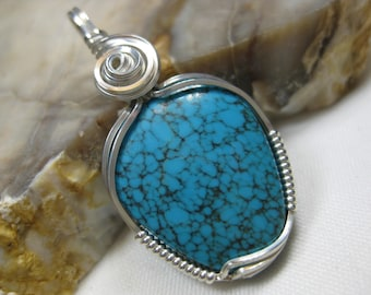 Arizona Turquoise Pendant in Sterling Silver Wire