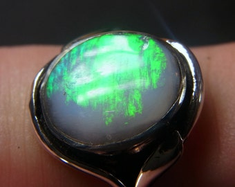 Opal Ring Bright Solid in Sterling Silver - Size M/ U.S - 6 1/2 - Green Barred Flash Stone from Coober Pedy.