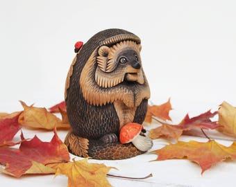 Wooden Hedgehog Statue Wood Carving Wooden Hedgehog Figurine Woodcarving Wooden Animal Hedgehog Miniature Hand Carved Hedgehog Sculpture