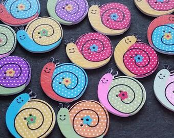 10 buttons snails wooden 2.8 x 2.5 cm, wooden buttons, fancy buttons