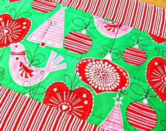 Christmas Table Runner, Quilted Table Runner, Red and Green Runner, Christmas Table Topper, Scandinavian Runner, Modern Table Runner