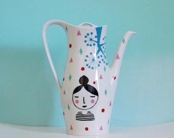 Ausverkauf! Große Siebdruck Vintage Teekanne 'Girl'