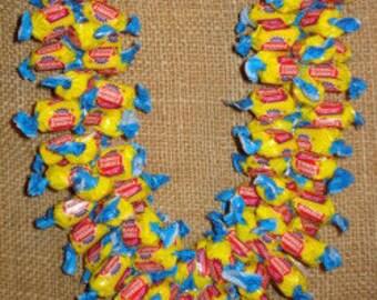 Giant Dubble Bubble Candy Lei (Yellow) - Graduation Lei (Plus 5 FREE Candy Necklaces)