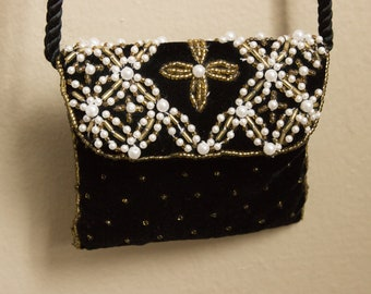Small Vintage Beaded Coin Purse