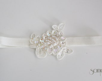 GRACE - Ivory Bridal Garter with Lace Detail
