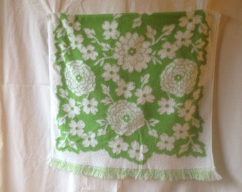 Vintage Towel Vintage Bath Towel Retro Green and White Flower Power Towel