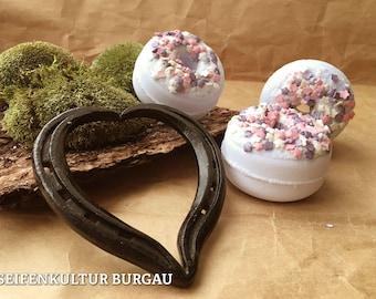 "Badedonut ""Blueberry Bussi""-Bath bomb"