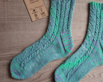 Twisted Wisteria sock knitting pattern, pdf knitting pattern