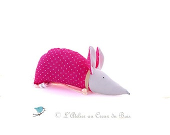 Lavender sachet, hot pink mouse