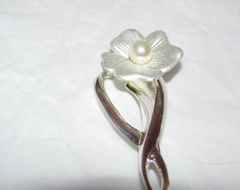 Welcome To Spring Flower Pin
