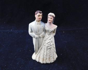"Vintage 1950s Chalkware Bride and Groom Wedding Cake Topper Figurine - 3-3/4"" Tall - Signed ACA, Brunette, Blue Tux, Retro"