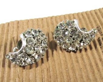 VINTAGE Lisner RHINESTONE Clip Earrings Rhinestone Clear Rhinestone Earrings Ready to Wear Vintage Rhinestone Jewelry Wedding (F128)