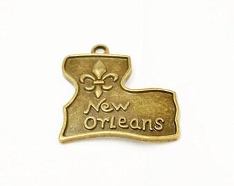 15 New Orleans Charm, Mardi Gras, Antique Bronze New Orleans Pendant, State Charm, Mardi Gras Favor, Fleur De Lis Charm, 766