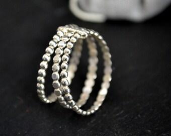 Grape III ring