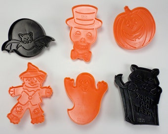 Wilton Halloween Cookie Imprint Cutter Set, Skull, Ghost, Pumpkin, Bat, Black Cat, Scarecrow, Baking Supplies