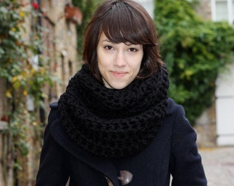 Black Circle Scarf, Women's Scarf, Men's Scarf, Infinity Scarf, Snood, Crochet Chunky Scarf, Spring Fashion