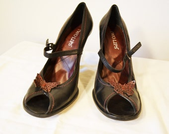Two Lips,heels, Burgundy ,Red ,Peep Toe ,Baby Doll ,Heels , Butterfly ,Shoes, Size 9.5M