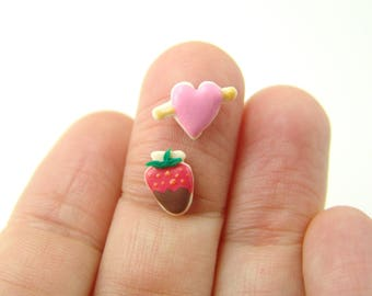 Flexible Silicone Mold // Dollhouse Heart and Strawberry Cookies // 1:12 Scale Food and Food Jewelry Projects