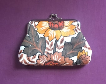 Kiss clasp coin purse made with vintage 1960s/1970s reclaimed fabric