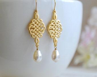 Wedding Bridal Gold Celtic Knot Swarovski Ivory Teardrop Pearl Earrings. Wedding Jewelry, Bridal Earrings, Bridesmaid Gift, Bridal Party