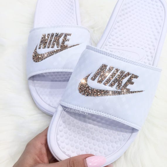 Nike Benassi Slides Made with SWAROVSKI® Crystals - White/Rose Gold