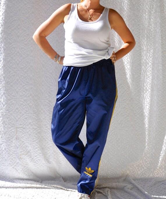 90s Adidas Track Pants. Retro Hip Hop Style Warm Ups. High Waist Adidas Training Pants w. Zipper Leg 15kdIv