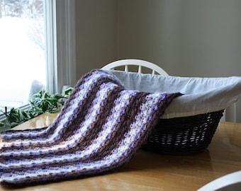 crochet baby blanket, purple baby blanket, crochet baby afghan, baby girl blanket, purple and white, newborn blanket, carseat blanket