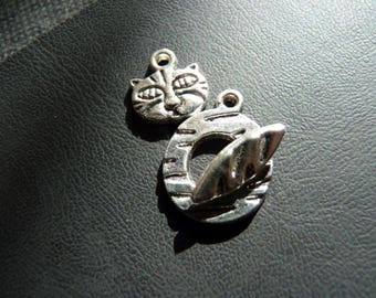 Cat silver metal Toggle clasp