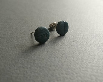 The Dot 7. Stud earrings. Free shipping.