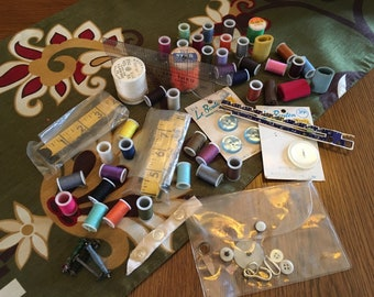 Bundle of Vintage Sewing Items