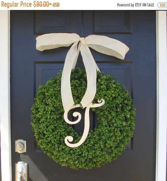 SUMMER WREATH SALE Monogram Boxwood Wreath, Year Round Painted Monogram Wreath with Bow, Spring Decor, Housewarming Gift, Monogram Initial W
