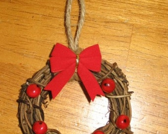 Grapevine Wreath Christmas Ornaments Mailed Paper Pattern by Sew Practical, Mom and Pop Craft