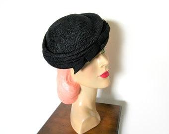 Vintage 1950's Black Straw Tilt Hat w/Bow~ Betmar
