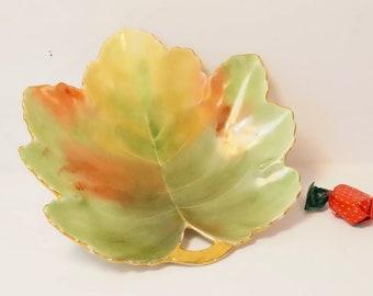 Leaf Candy Dish/Autumn Colors/Leaf Dish/Mid Century/Fall Leaf Dish/Maple Leaf Dish/Candy Dish/Autumn Candy Dish/Gold Gilt Leaf/Maple Leaf