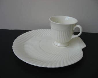"Vtg WEDGWOOD Etruria Barlaston ""EDME"" Shell Shaped Cream Tennis Set Plate Cup"