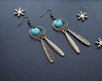 Earring ethnic, turquoise blue round sequins with charm