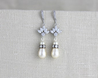 Crystal Bridal earrings, Wedding earrings, Bridal jewelry, Pearl drop earrings, Bridesmaid earrings, Swarovski earrings, Long dangle EMMA