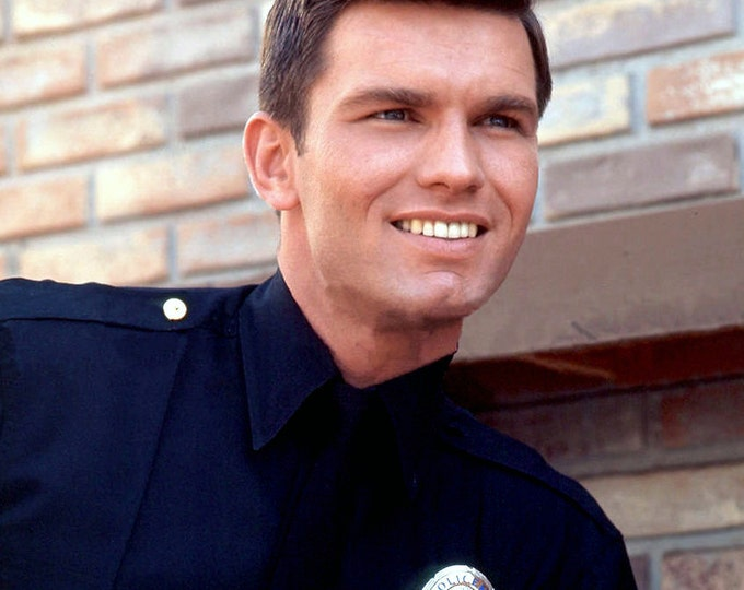 """Kent McCord as """"Officer Jim Reed"""" in """"Adam 12"""" - 5X7 or 8X10 Publicity Photo (AA-789)"""