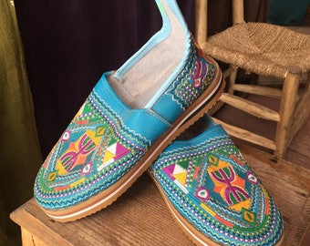 Ladies Turquoise Embroidery Shoes 071