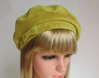 French velvet beret //Velour womens hats //Green Tams