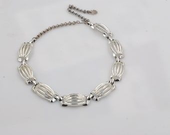 Lovely Lucky Brand with Four Leaf Clover Tag Choker Necklace Geometric Silver Tone Shell Pattern Adjustable