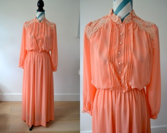 Vintage 70s Maxi Peach Dress - Long Sleeves with Victorian Style Pleated Bodice and Lace - 1970s Bohemian Hippie - Small