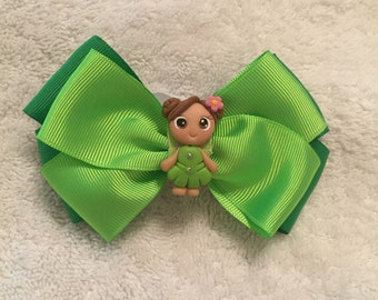 """Green St. Patricks day bow with pink dress dolly 6"""""""