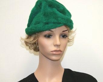 Vintage 1950's Green Fur Cloche Hat by Amy