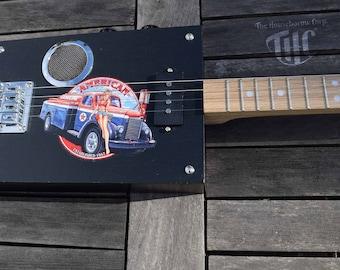 "Box of ""Gasoline"" guitar 4 strings"