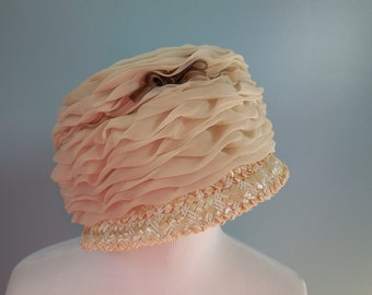 Vintage 50s 60s STRAW cloche CLOCHE HAT tulle hat womens size 6 3/4 small