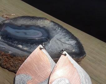 2.5 crescent wave design, copper teardrop