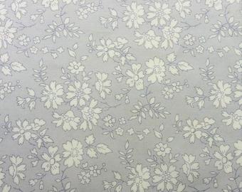 "Capel Grey Liberty Fabric scrap tana lawn grey white 10"" x 10"" square (25,4 cm x 25,4 cm) The Weavers Mill"