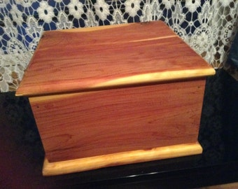 Aromatic cedar box